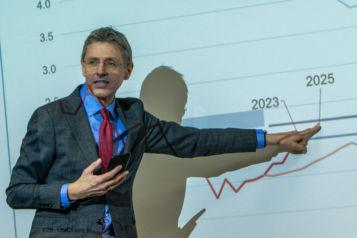 Im Rahmen des Neujahrsempfanges gab Stefan Bruckbauer - Chefökonom der UniCredit Bank Austria - Ausblicke auf das Jahr 2020.