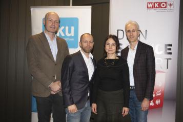 Auf dem Bild v.l.n.r.: Dr. Roman Stöger (FH Kufstein Tirol), Markus Gwiggner (i.ku Innovationsplattform Kufstein & Geschäftsführer styleflasher), Birgit Pristauz (Bichlbäck Ebbs) und Prof. (FH) DI Dr. Martin Adam (FH Kufstein Tirol).