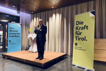 Wortgewandt und durchaus scharfzüngig hielt Wirtschaftsexperte Ronald Barazon kürzlich einen Vortrag in Kufstein.