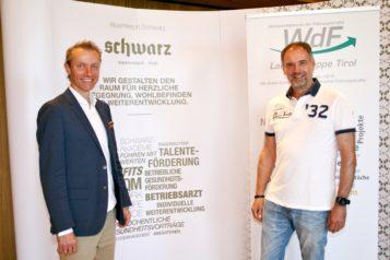 Franz-Josef Pirktl (Geschäftsführer Alpenresort Schwarz) und Hubert Schenk (WdF-Landesvorsitzender und RLB-Direktor Firmenkunden) machten den Auftakt bei der traditionellen After-Work-Wanderung.