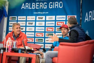 Martin Ebster führte zusammen mit Moderator  Martin Böckle durch den Live Stream und interviewte Gäste aus der Szene, wie Patrick Hagenaars.