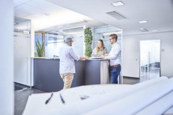 180 Mitarbeiter sind bei SPIEGLTEC für die unterschiedlichsten Aufgabenbereiche im Einsatz.