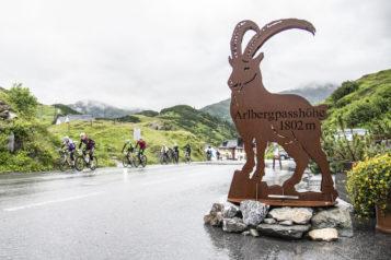 Der Arlbergpass kurz nach Startschuss bildet jedes Jahr eine kräfteraubende Herausforderung.