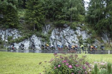 Eine Besonderheit am ARLBERG Giro ist mitunter, dass sich ambitionierte Jedermannfahrer im direkten Vergleich mit bekannten Radsportgrößen messen können.