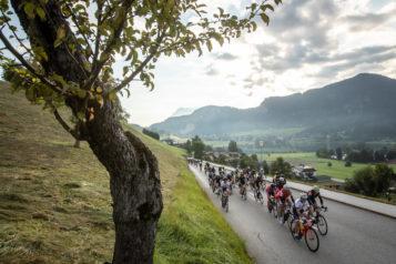 Die Königsdisziplin über 124 Kilometer und 2.000 Höhenmeter führte die Athleten nach dem Start nach Thiersee.